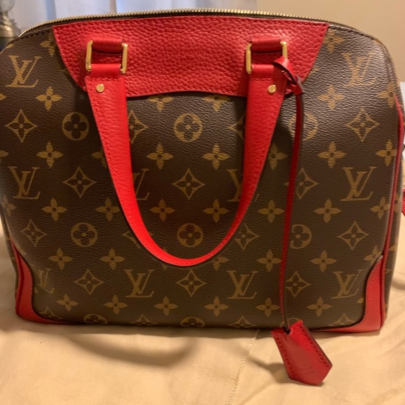 Louis Vuitton Handbags - LV retiro